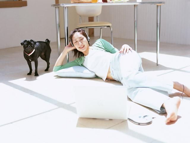 愛犬と一緒に寝ると良い睡眠になる!